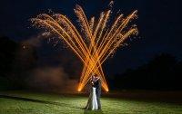 История появления традиции запускать салют на свадьбе